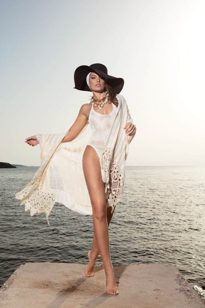 FiA fashion GORGEOUS ON THE BEACH